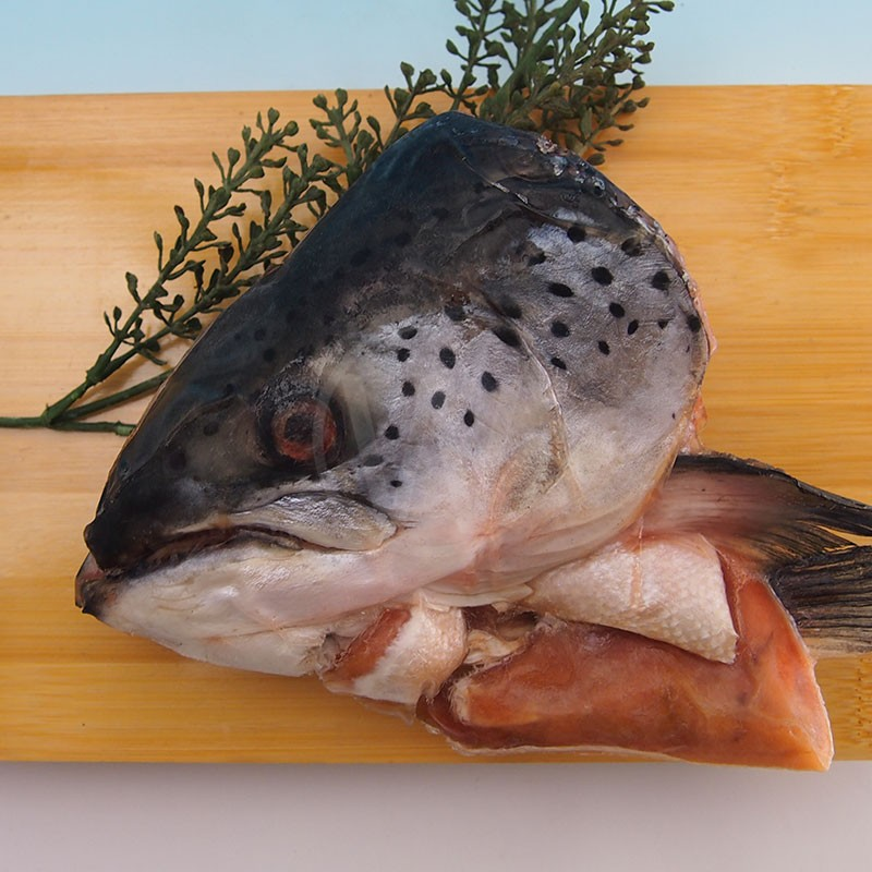 FROZEN-SALMON-HEAD-WHOLE